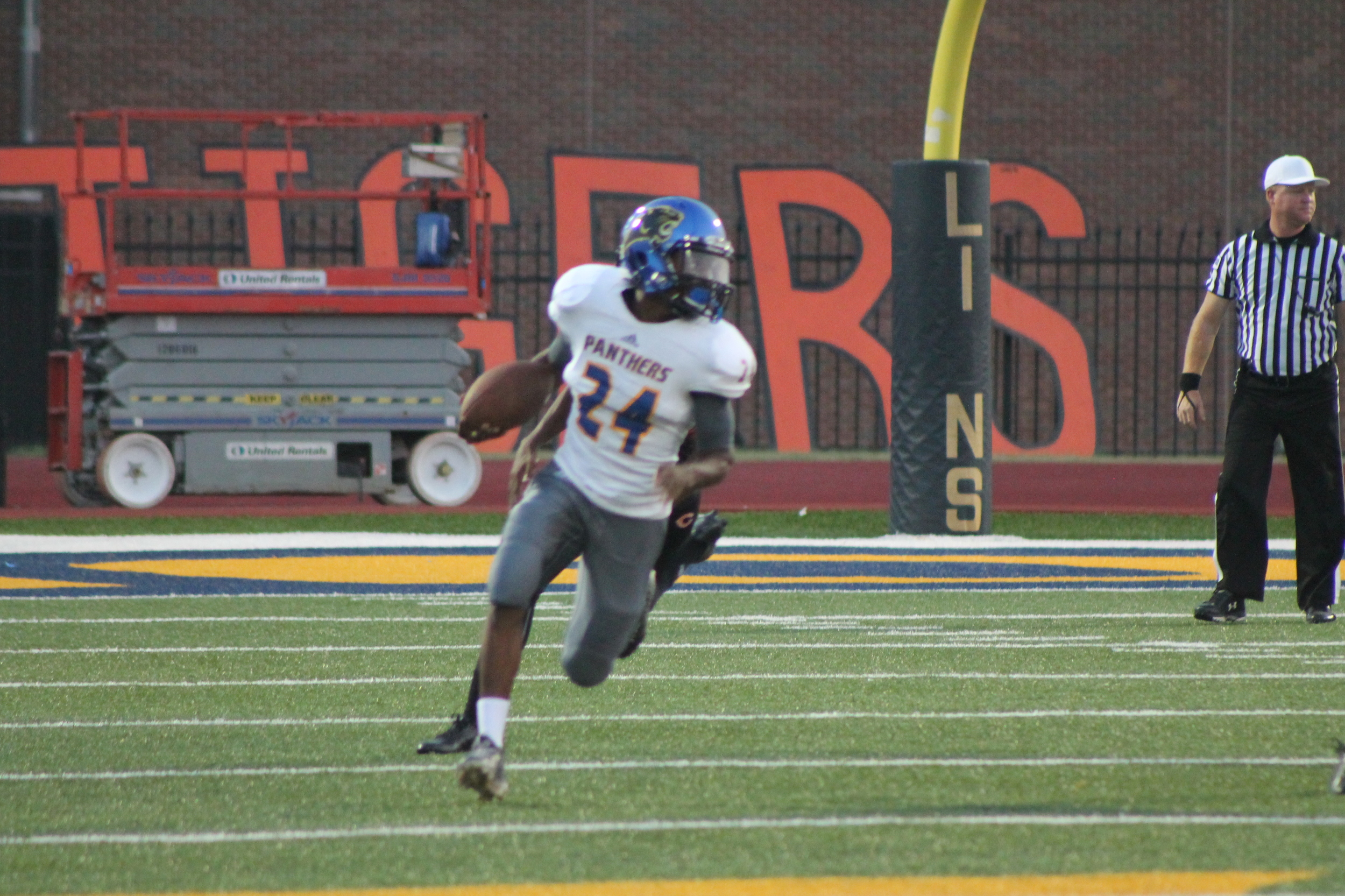 (Photo by Maddy Routon) Javon Franklin breaking free on an 80 yard touchdown pass play.
