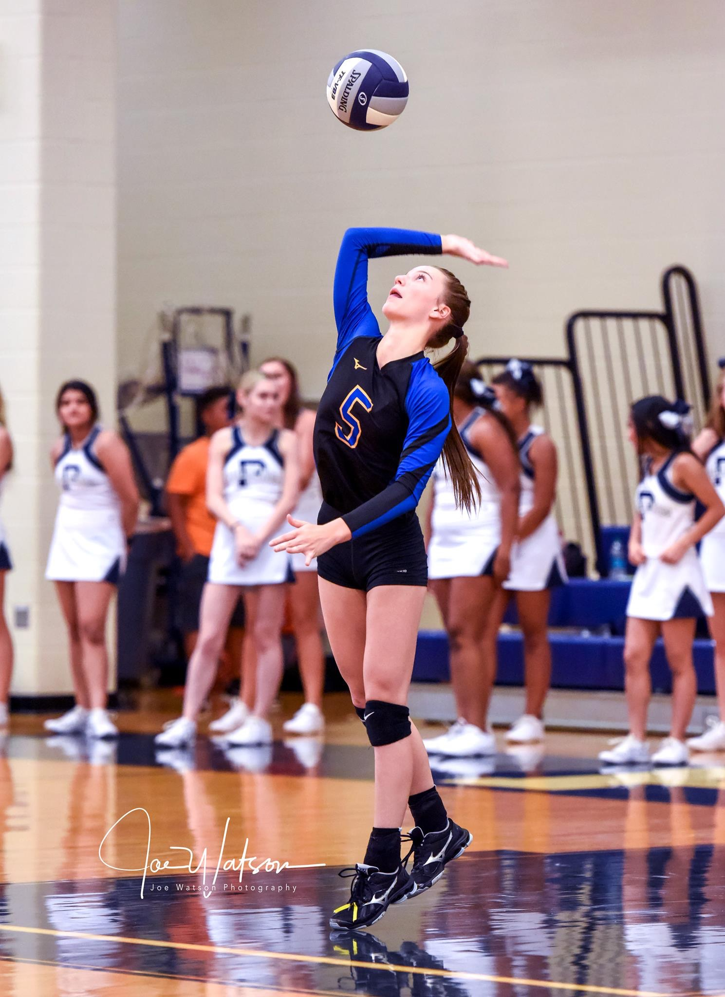 (Photo by Joe Watson) Macy Richardson serving the ball against Paris High.
