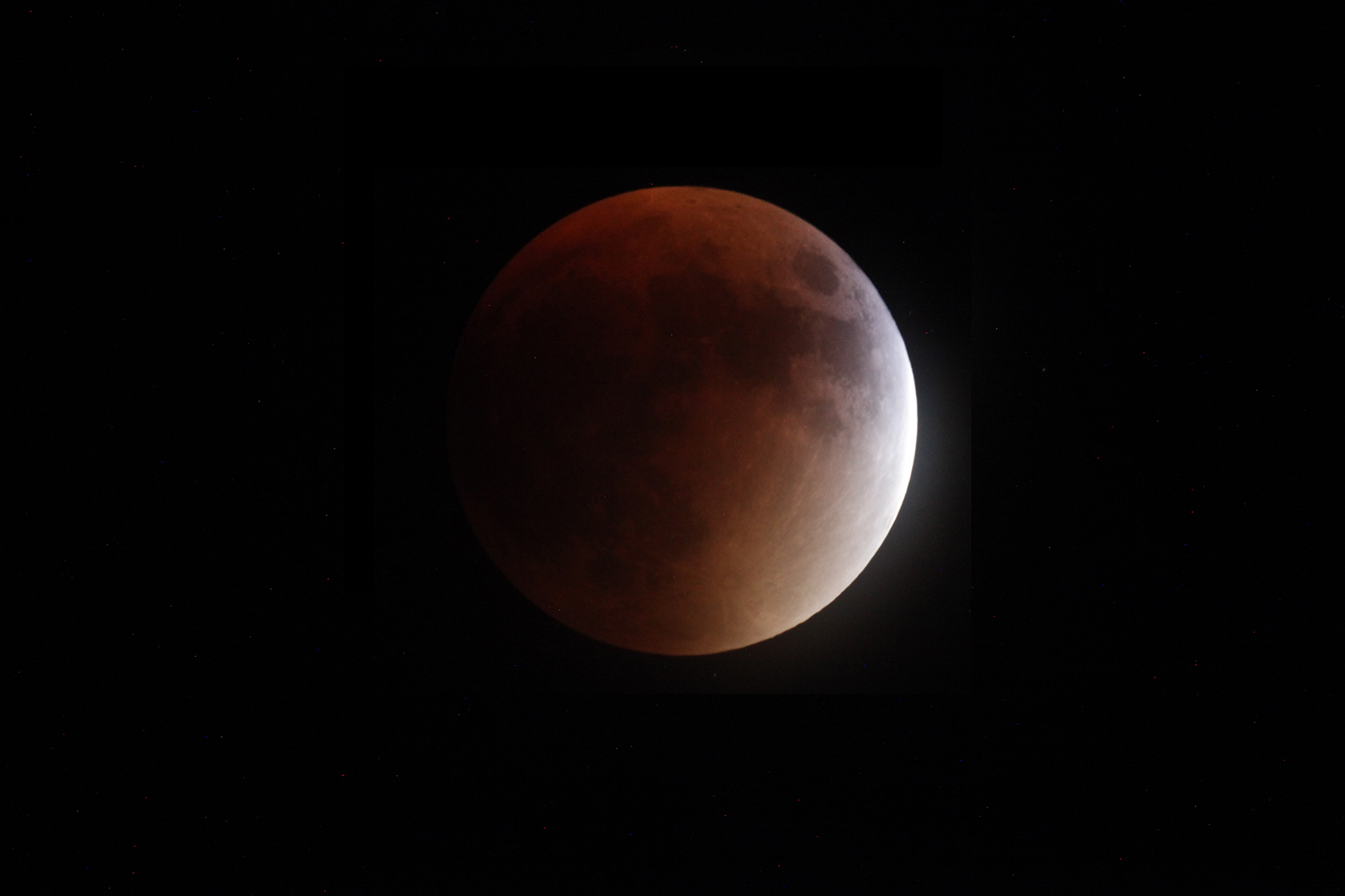 Blood Moon - photo taken from the backyard. 800mm telescope and DigiSLR