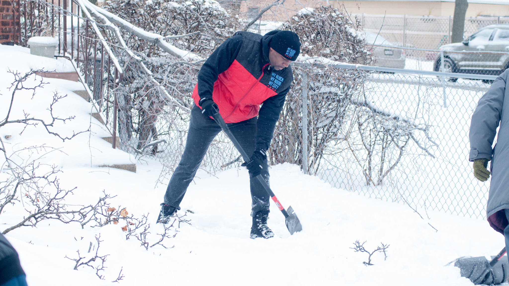 Washington Post - A Chicago man asked for 10 volunteers to help his elderly neighbors in a snowstorm. He couldn't believe the response.