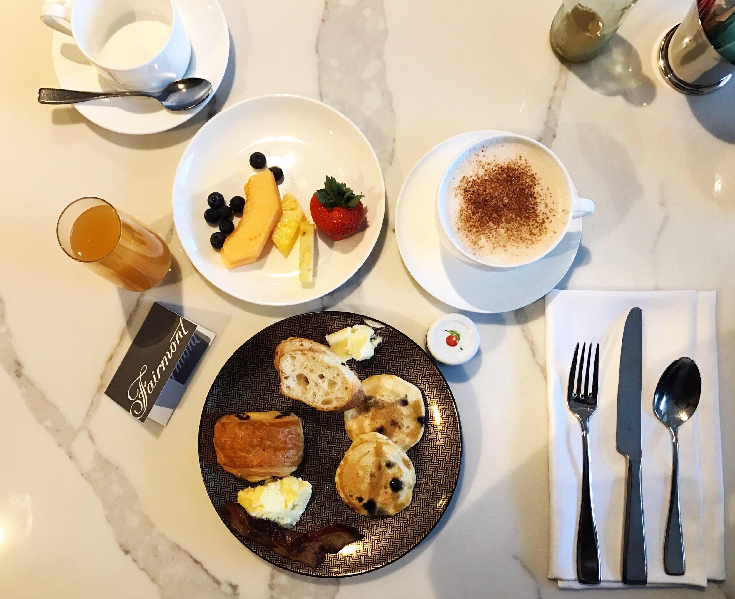 Fairmont-Breakfast-SweetDivergence.JPG