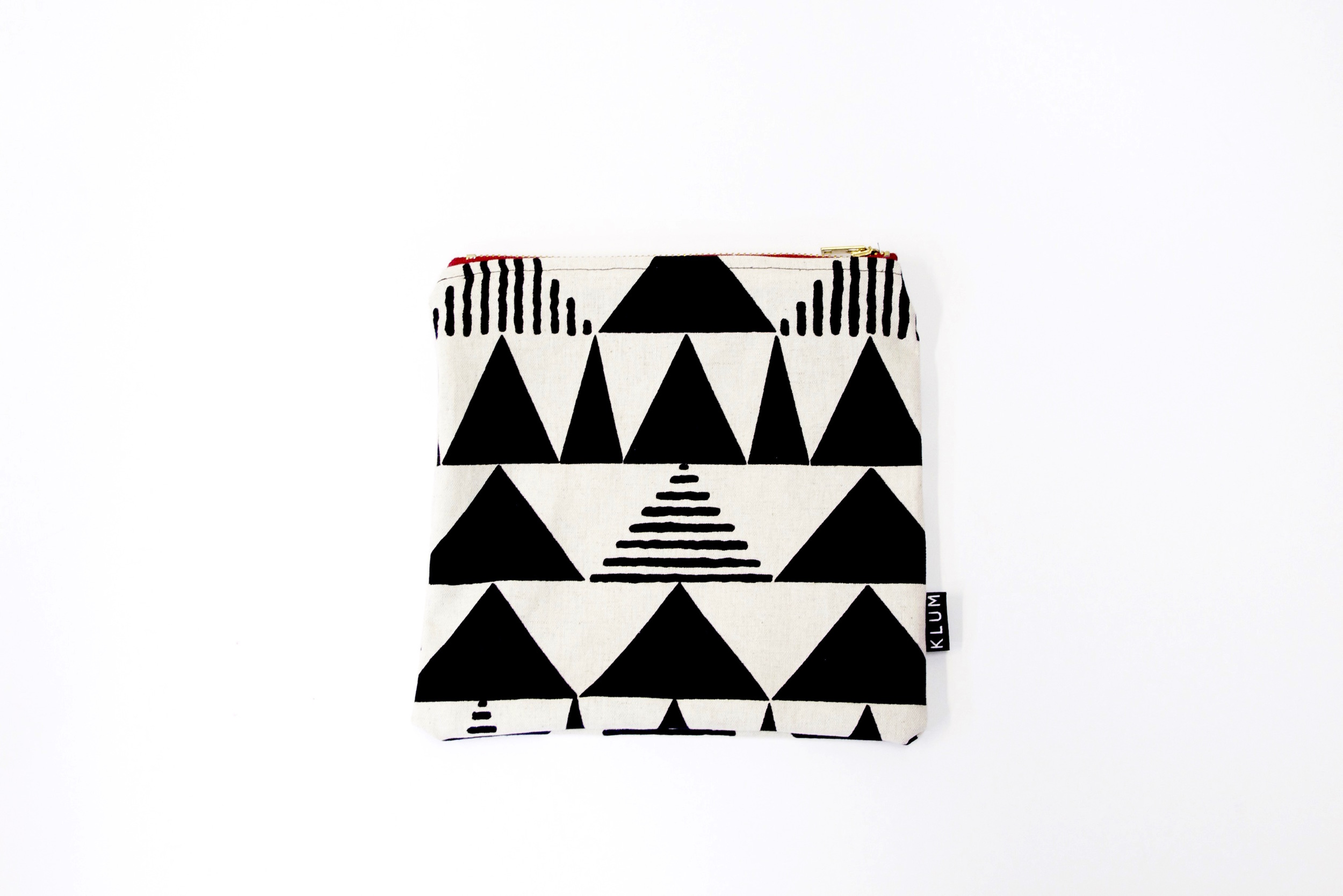 geometric-triangle-zipper-pouch-learn-to-sew