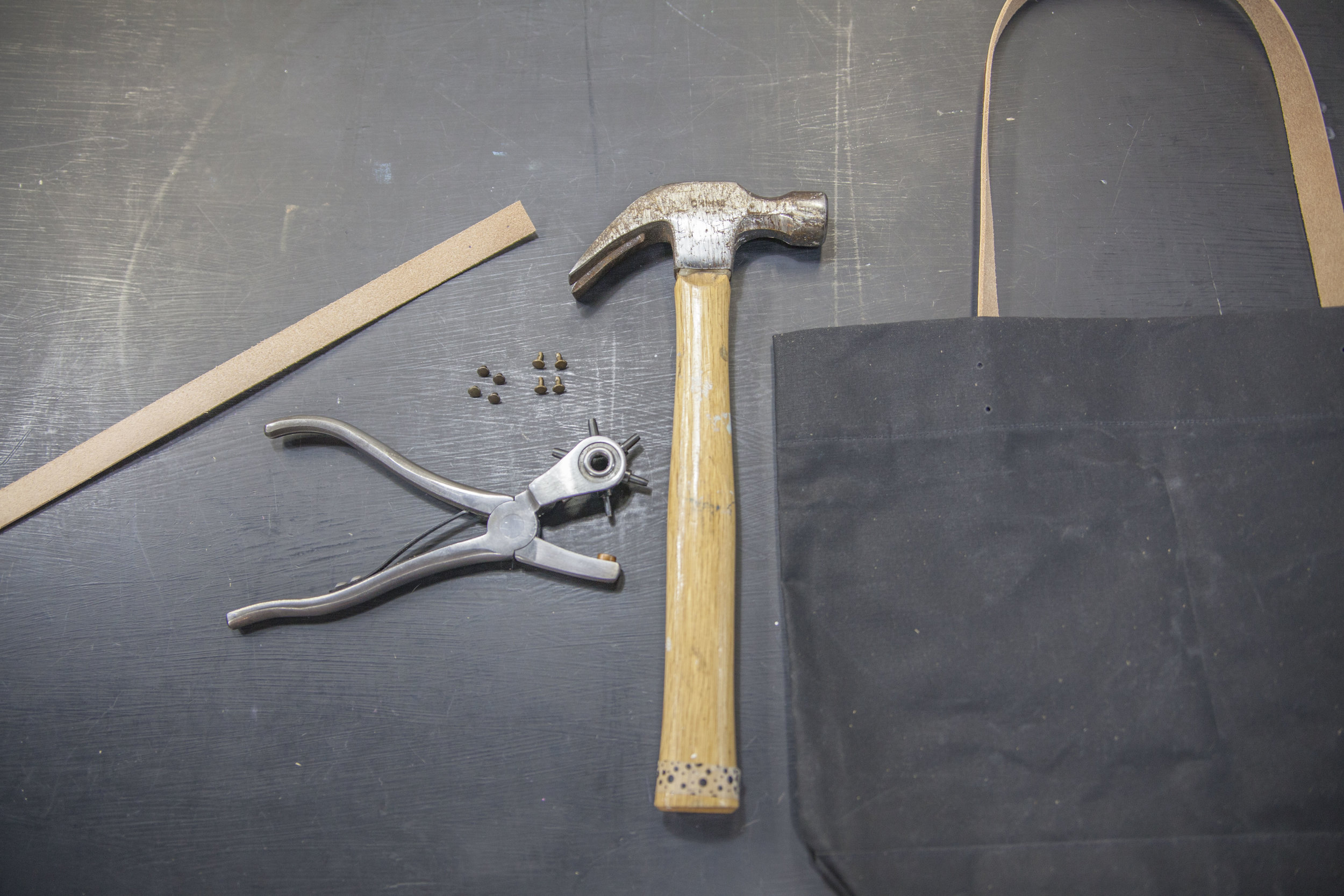 leather-straps-tools