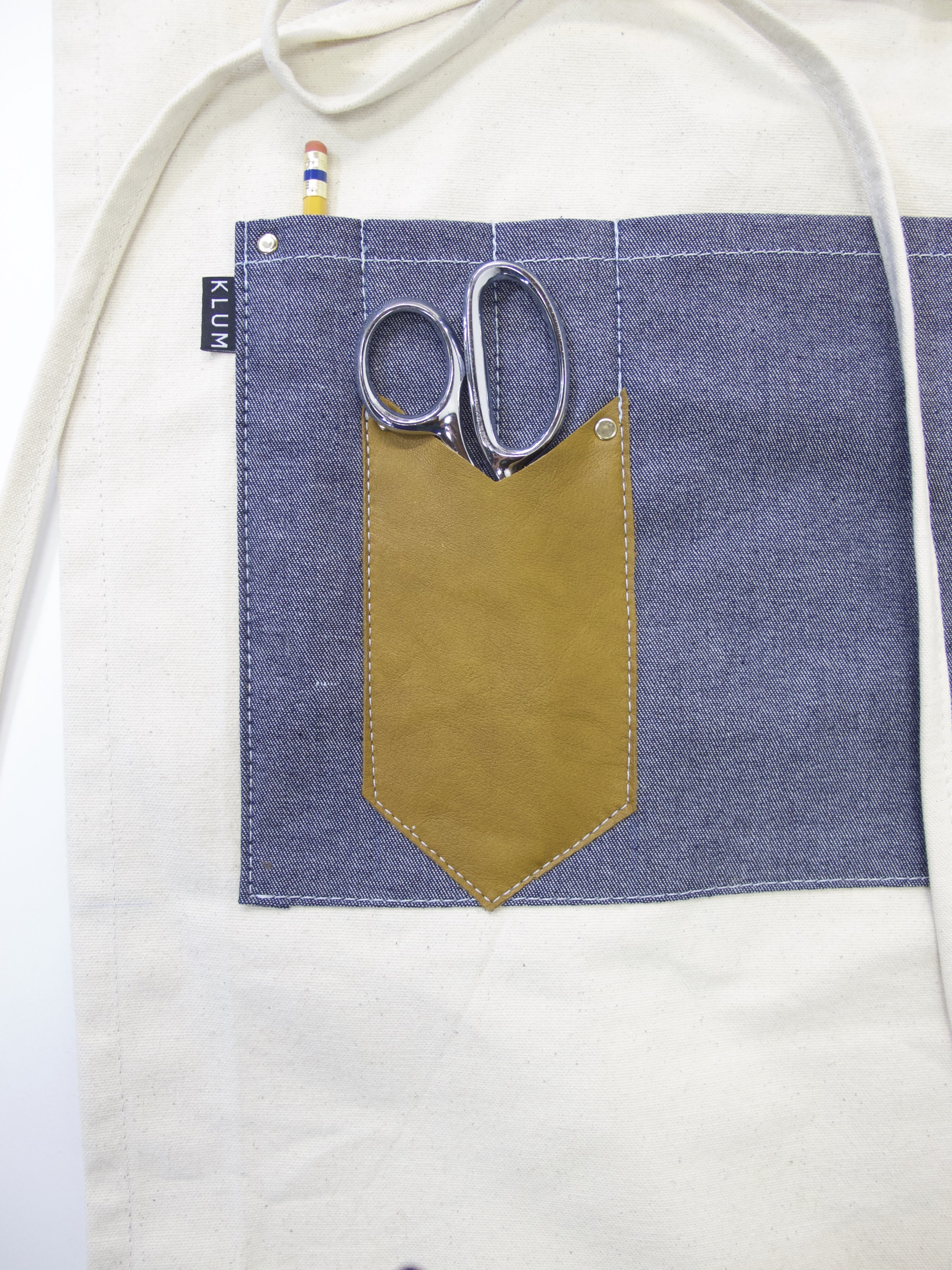CANVAS-MAKERS-APRON-2.jpg