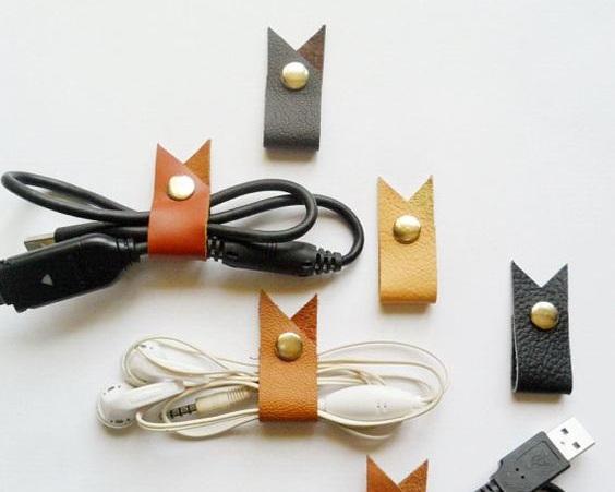 Earphone Cord Organizer by Pecha Leather