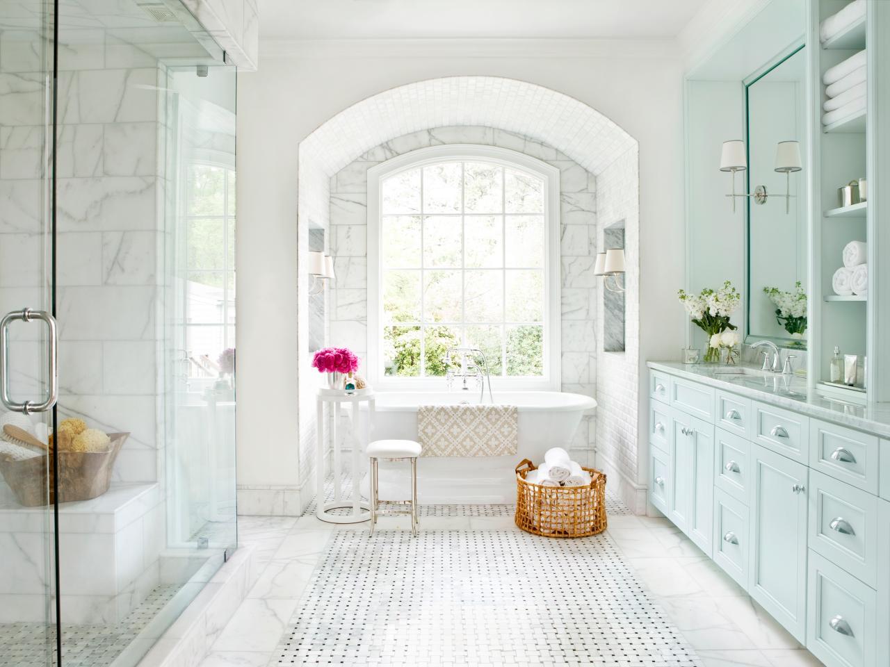 CI-mark-williams-marble-bathroom-lead-shot_s4x3.jpg.rend.hgtvcom.1280.960.jpeg