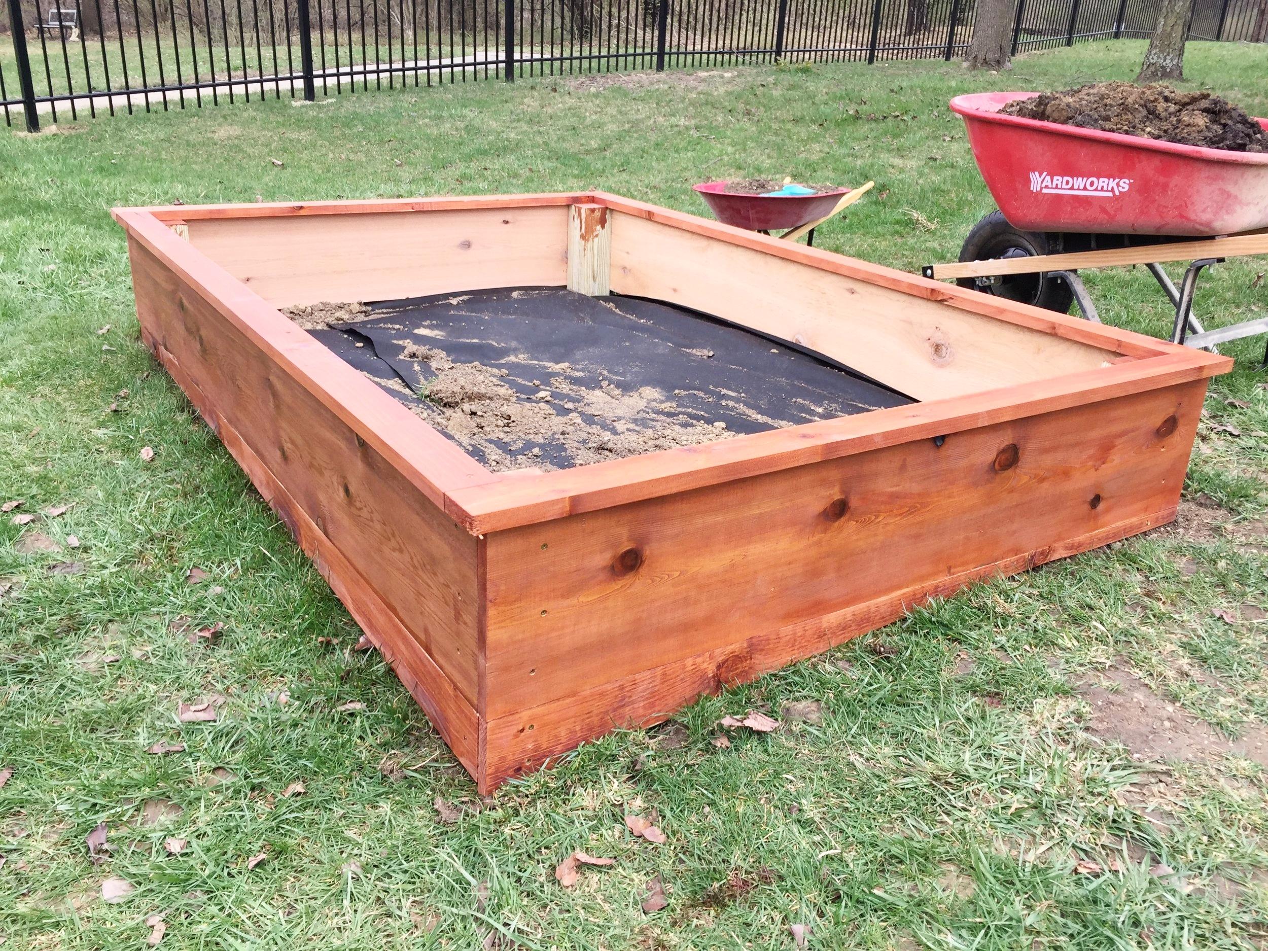 Completed cedar garden box