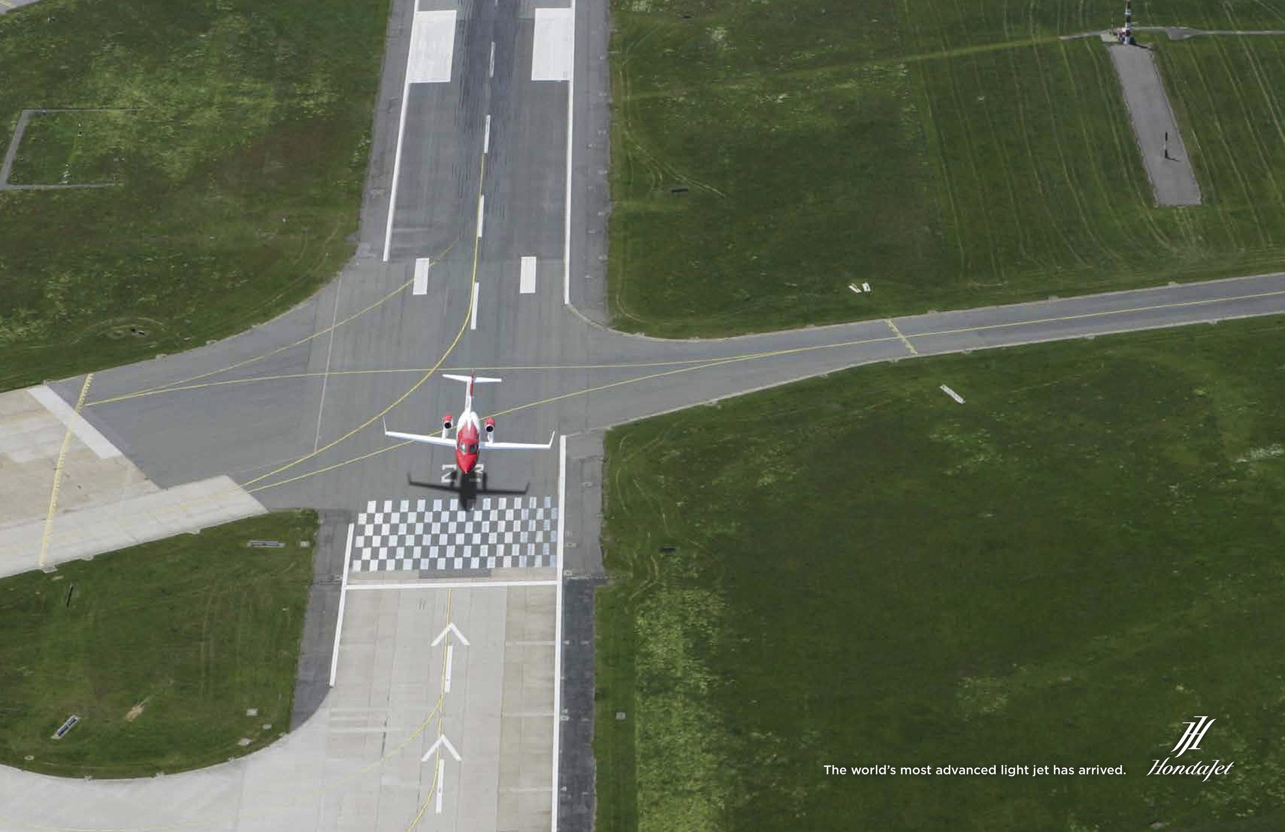 HondaJet_Touchdown.jpg