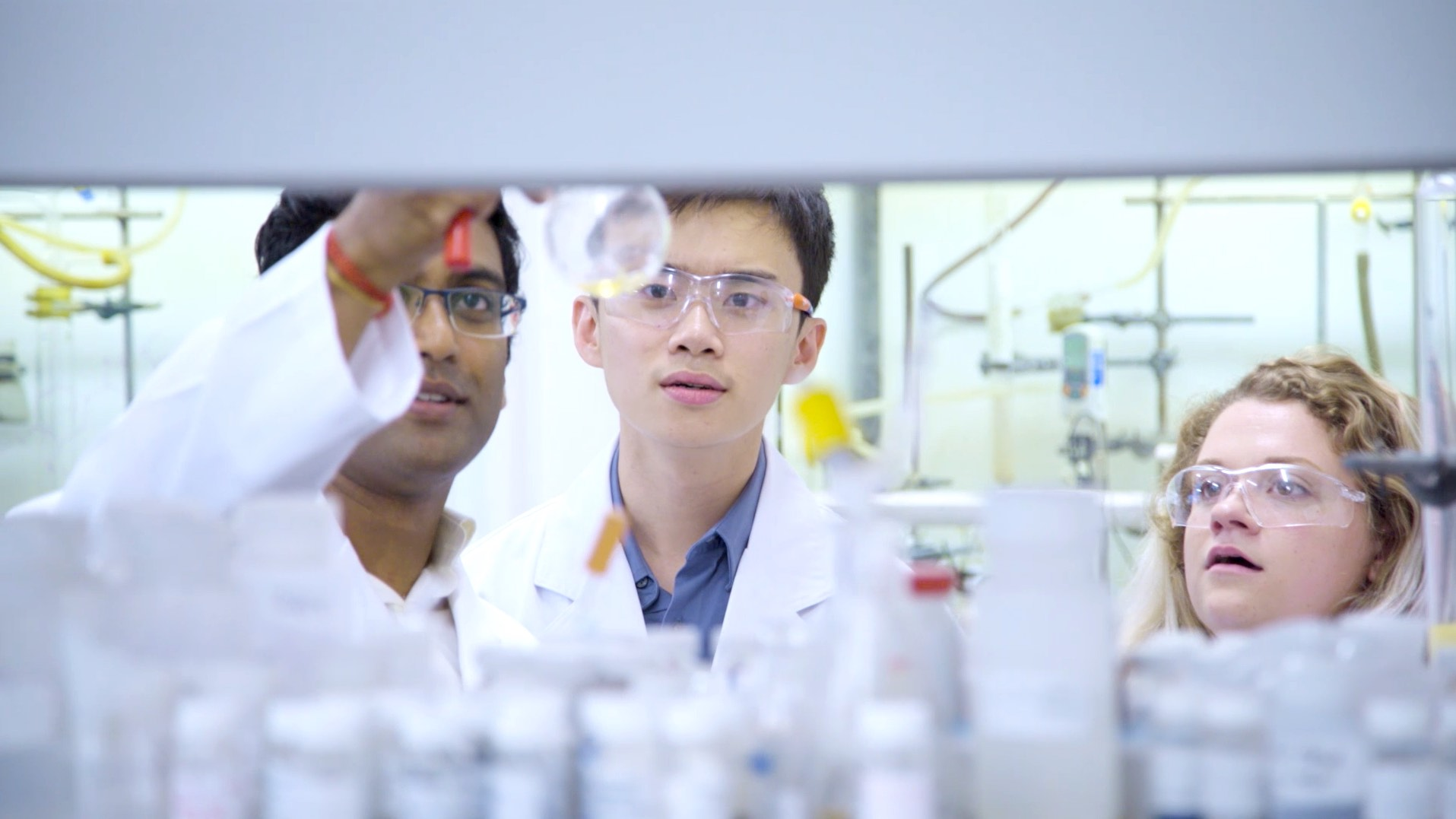 USyd laboratory and students