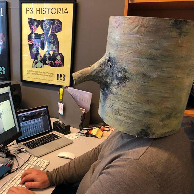 Endelig en hatt som passer på hodet til @larserikringen ! #fredag #moropåkontoret