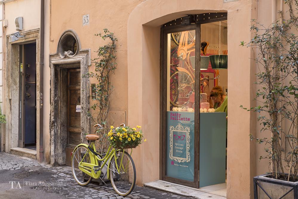 Pretty bicycle on Via dei Coronari.