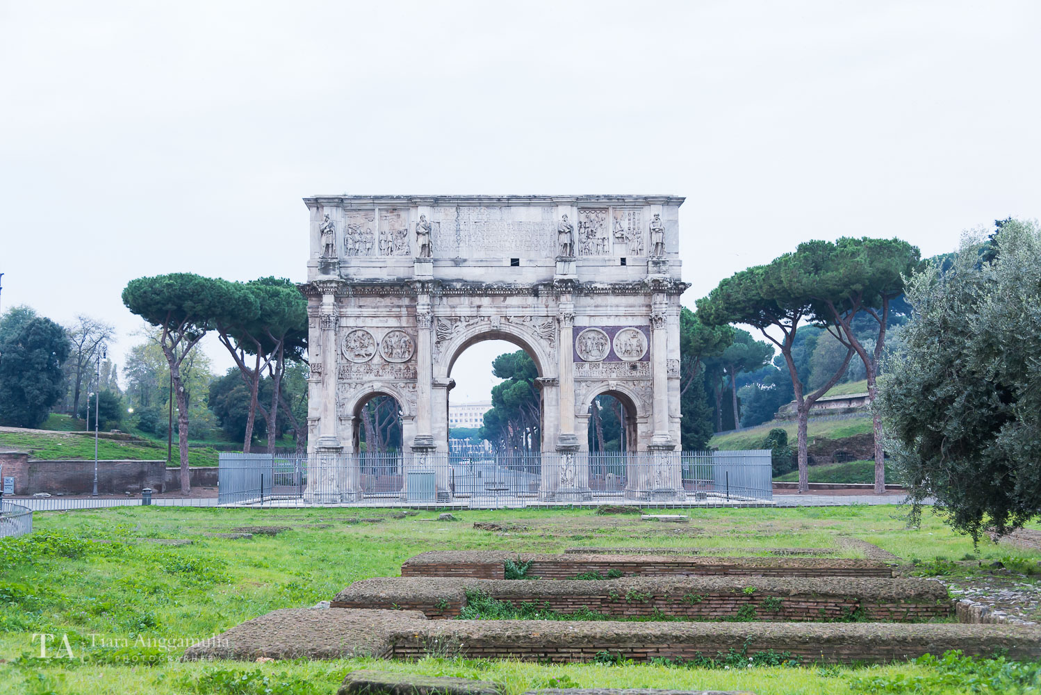 The arch near Colosseum.