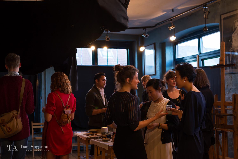 Kinfolk dinner attendants mingling.