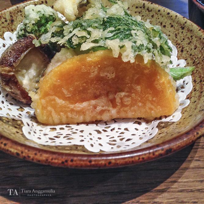Vegetable and fish tempura.