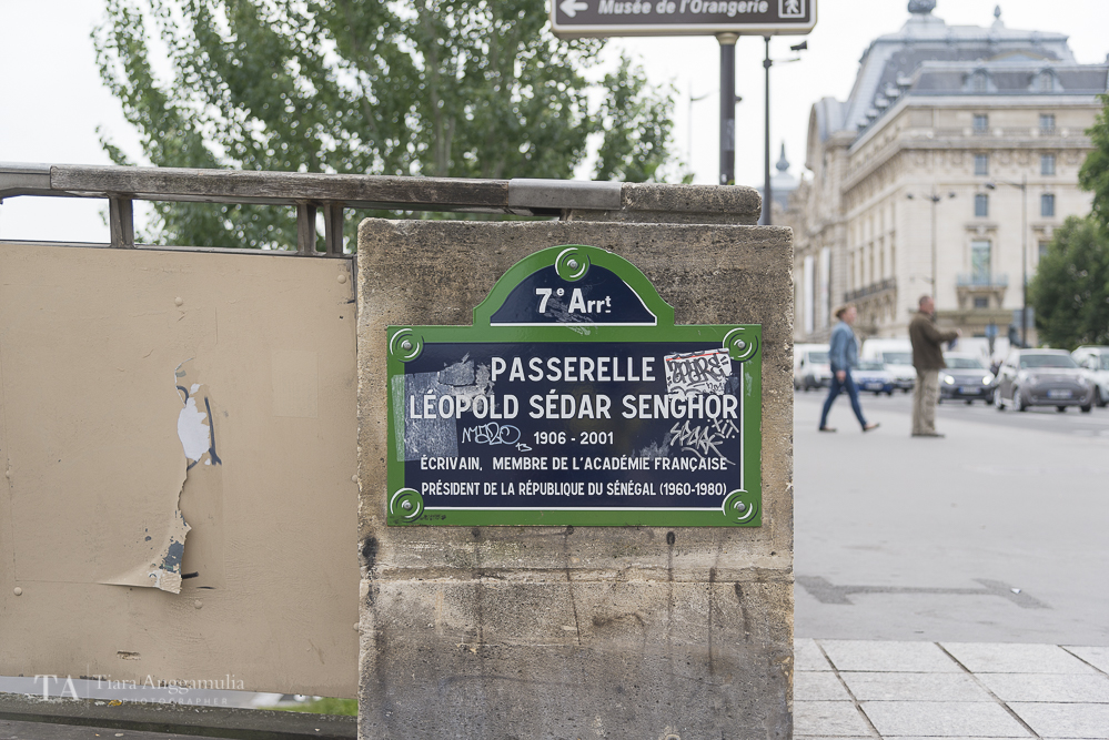Street sign of Passerelle Leopold Sedar Senghor.