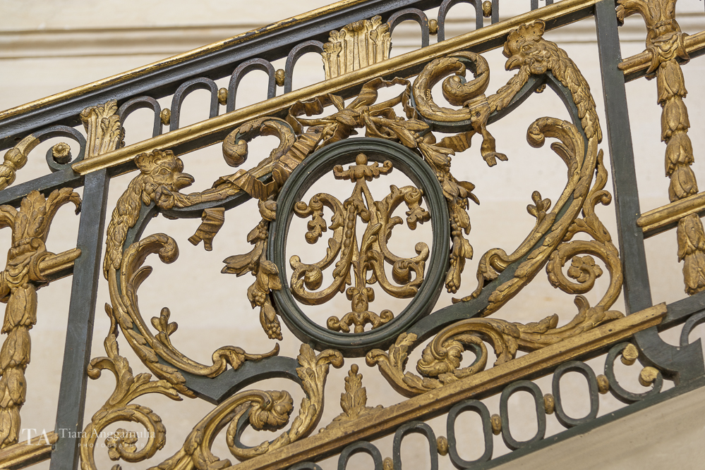 Details of the staircase railing.