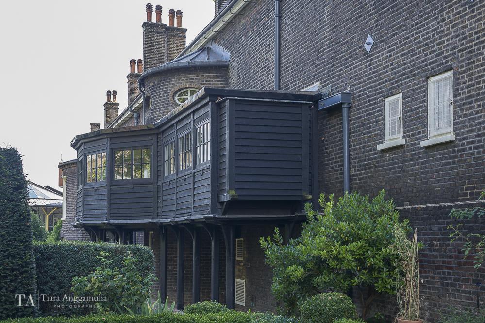 The exterior view of Geffrye Museum.