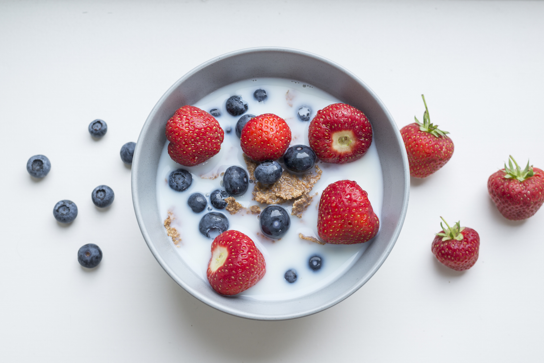 Breakfast cereal with summer berries.jpg