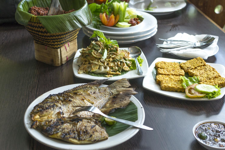 Lunch at a Sundanese restaurant.jpg