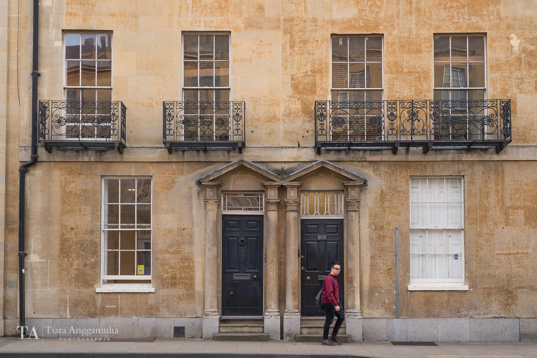 The pretty facade in Oxford.