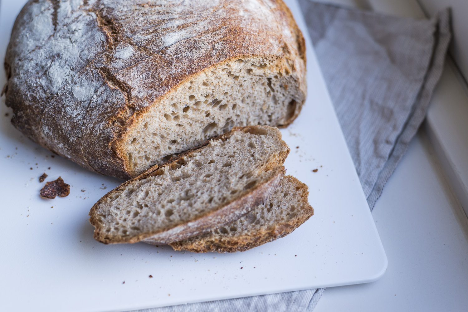 A loaf of rye bread made from 100% spelt flour.jpg
