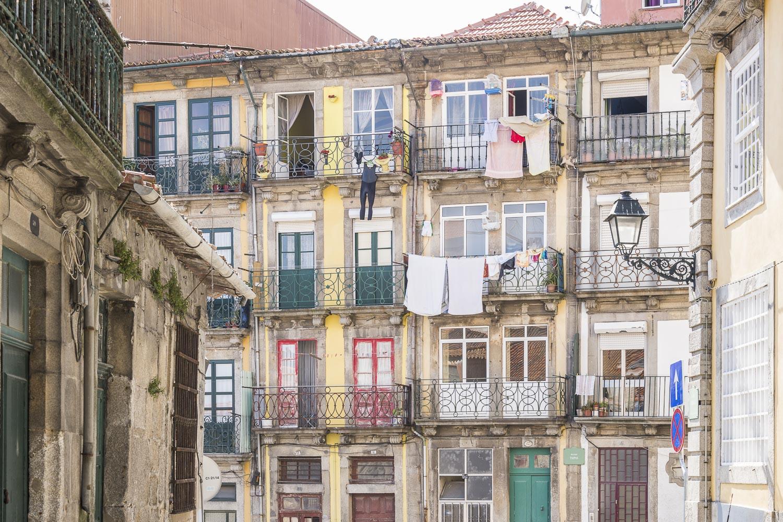 Life in Ribeira neighbourhood.jpg