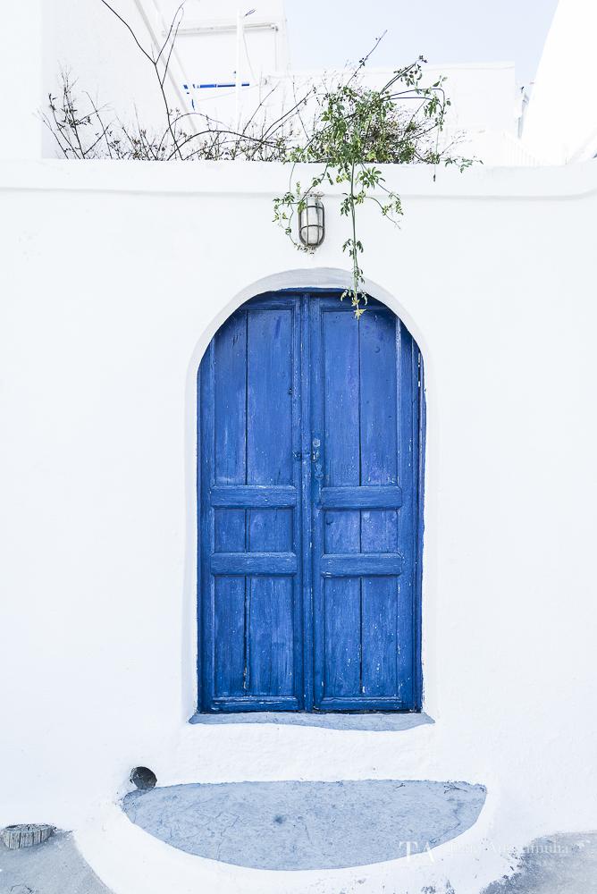 A view of the blue door.