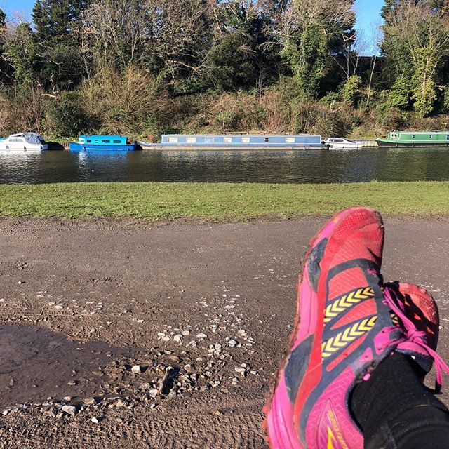 I rarely look at my watch when I'm out running along by the river. There's just too many other lovely things to see and think about. Including my goal of running the whole of the Thames Path at some point! Today, however I was just happy to start and finish my run with a smile on my face 😀 . . . . #runspiration #triathlontraining #ultrarunner #trailrunning #riverthames #thamespath #footselfie