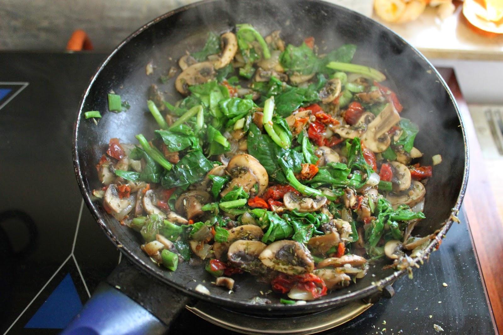 goldtogreen_vegan_spinach_tomatoe_mushroom_quiche_6.JPG
