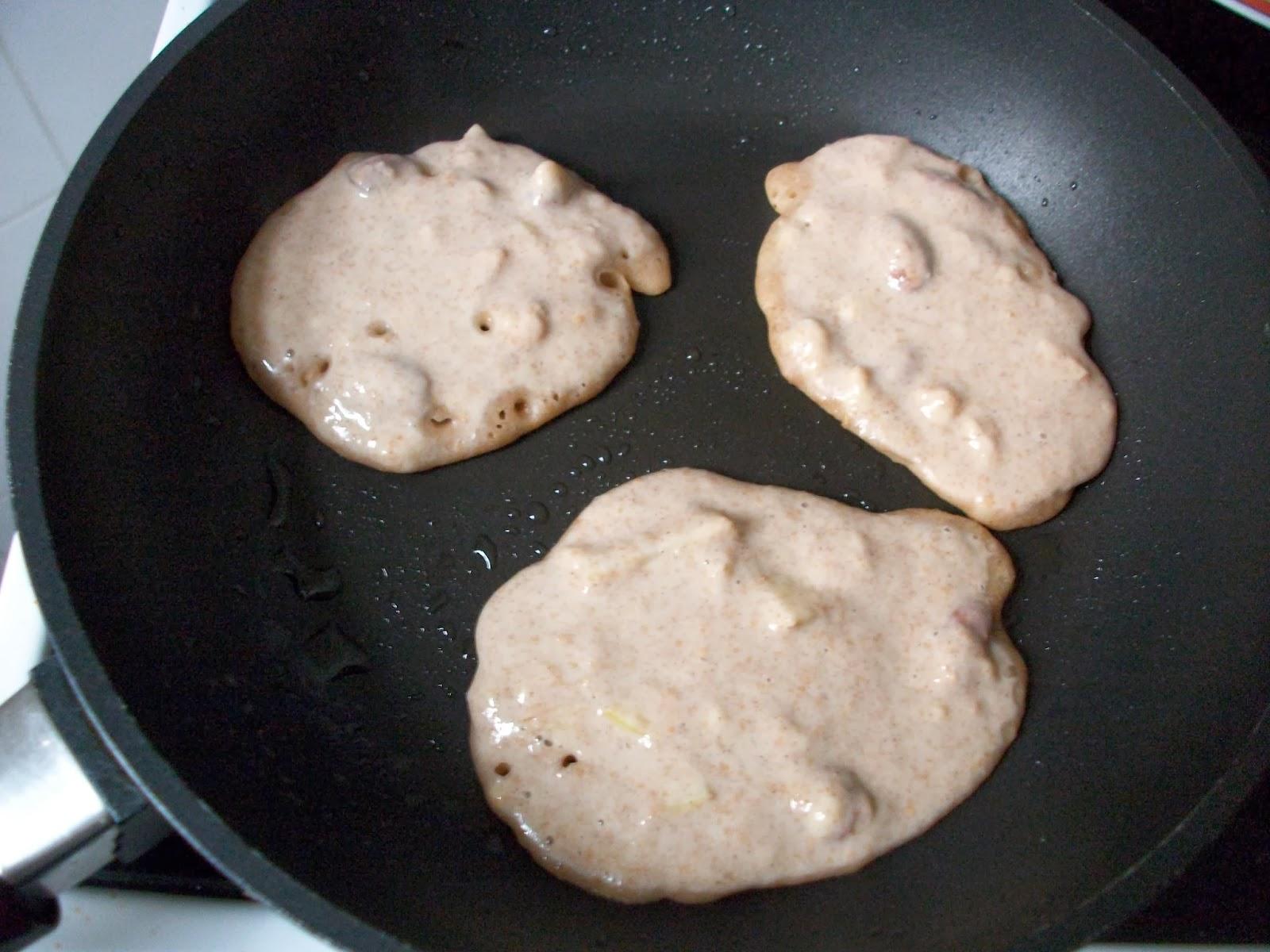 vegan_banana_pancakes_2.JPG
