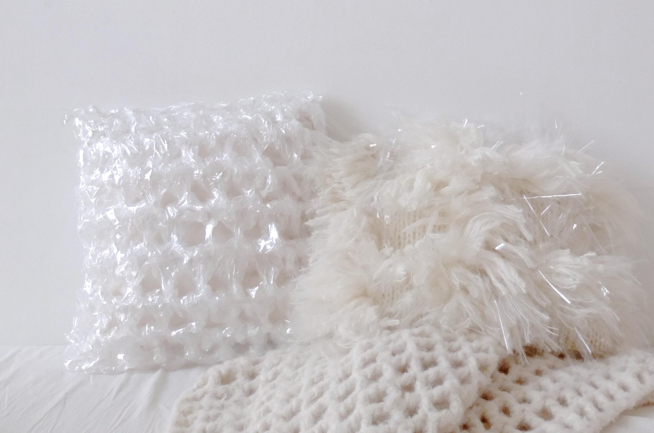doucement-air-pillow-3-monica-hofstadter.JPG