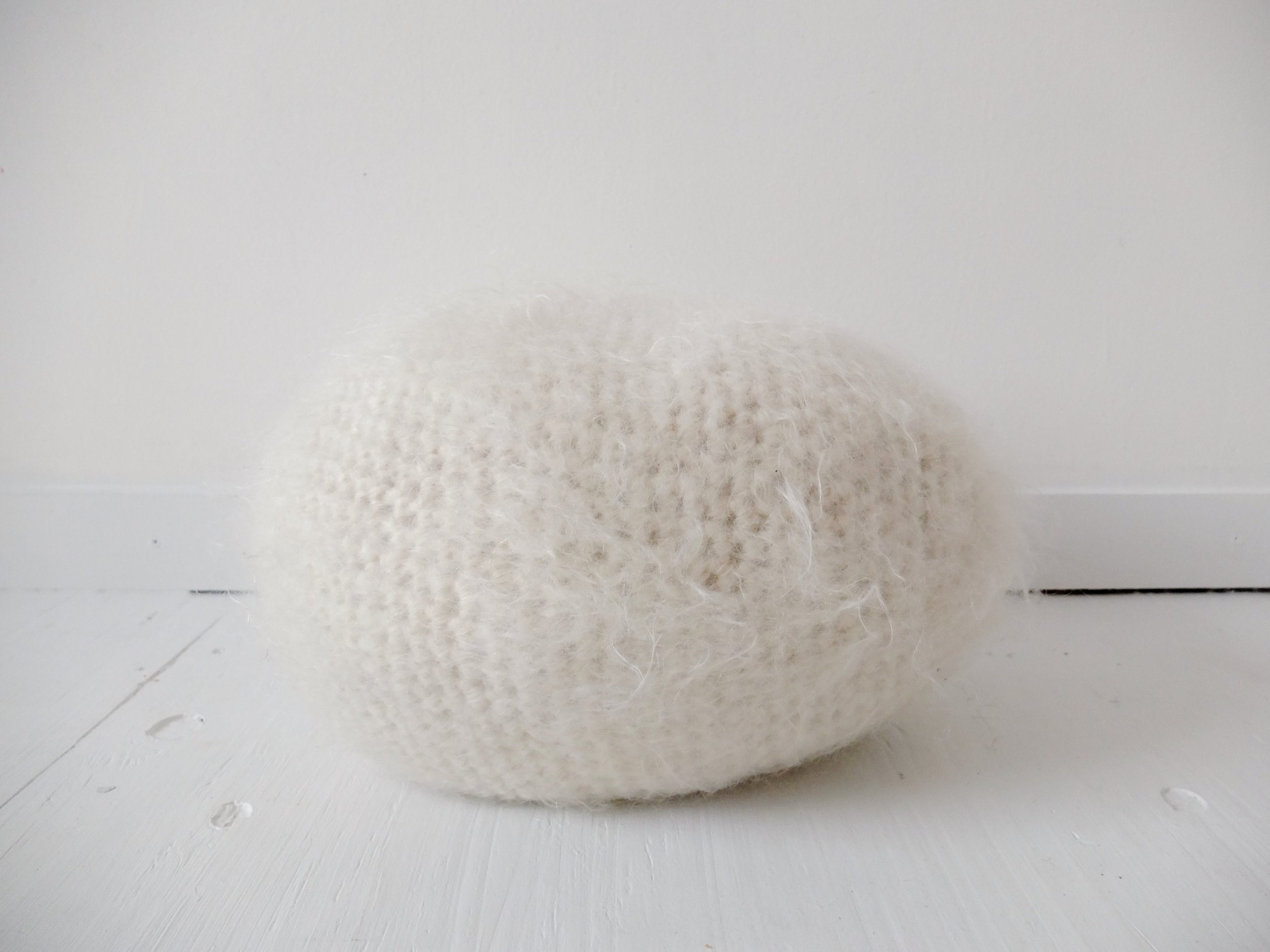 doucement-uovo-pillow-4.JPG