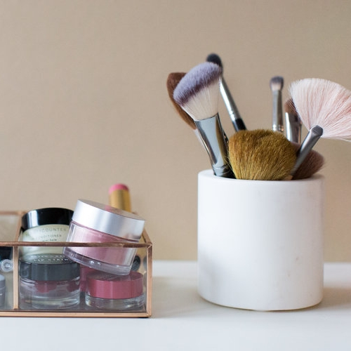 Private Makeup Lessons - We provide individual or a series of private or group makeup lessons for all ages using only high performing clean beauty products. A basic lesson is 90 minutes in length; additional lessons are 30, 60, and 90 minutes long, depending on goals and needs. Lessons are typically provided in a studio or spa setting in DC, Maryland, Northern Virginia, and NYC. For an additional fee, we can bring the lessons to you.