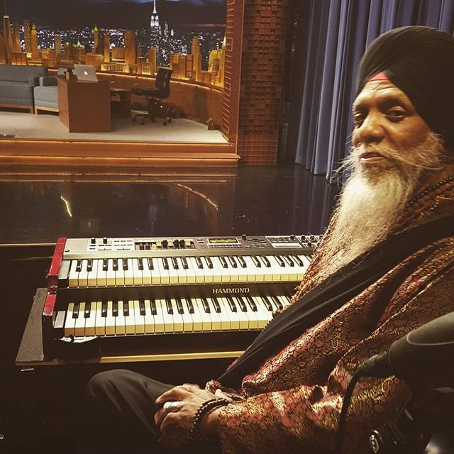 @drlonniesmith about to lay it down moments before show start. The greatest! #fallontonight