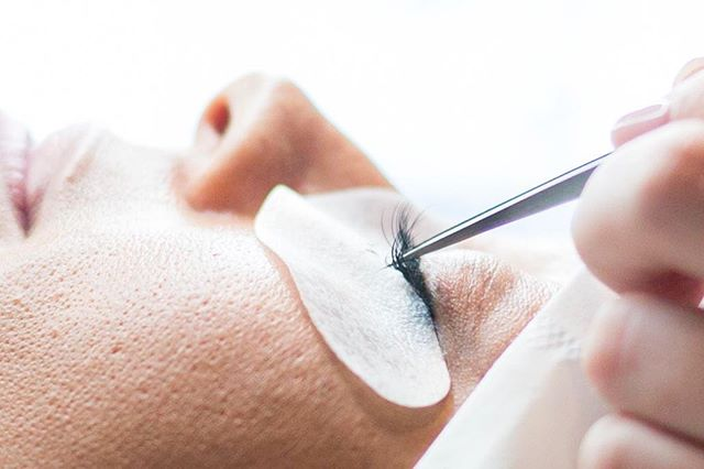 Time to get Halloween ready 👻 We have room for ONE full set of lush lashes tomorrow afternoon! We also have a few appointments available for some lash lifts and brows! #halloweenfleek