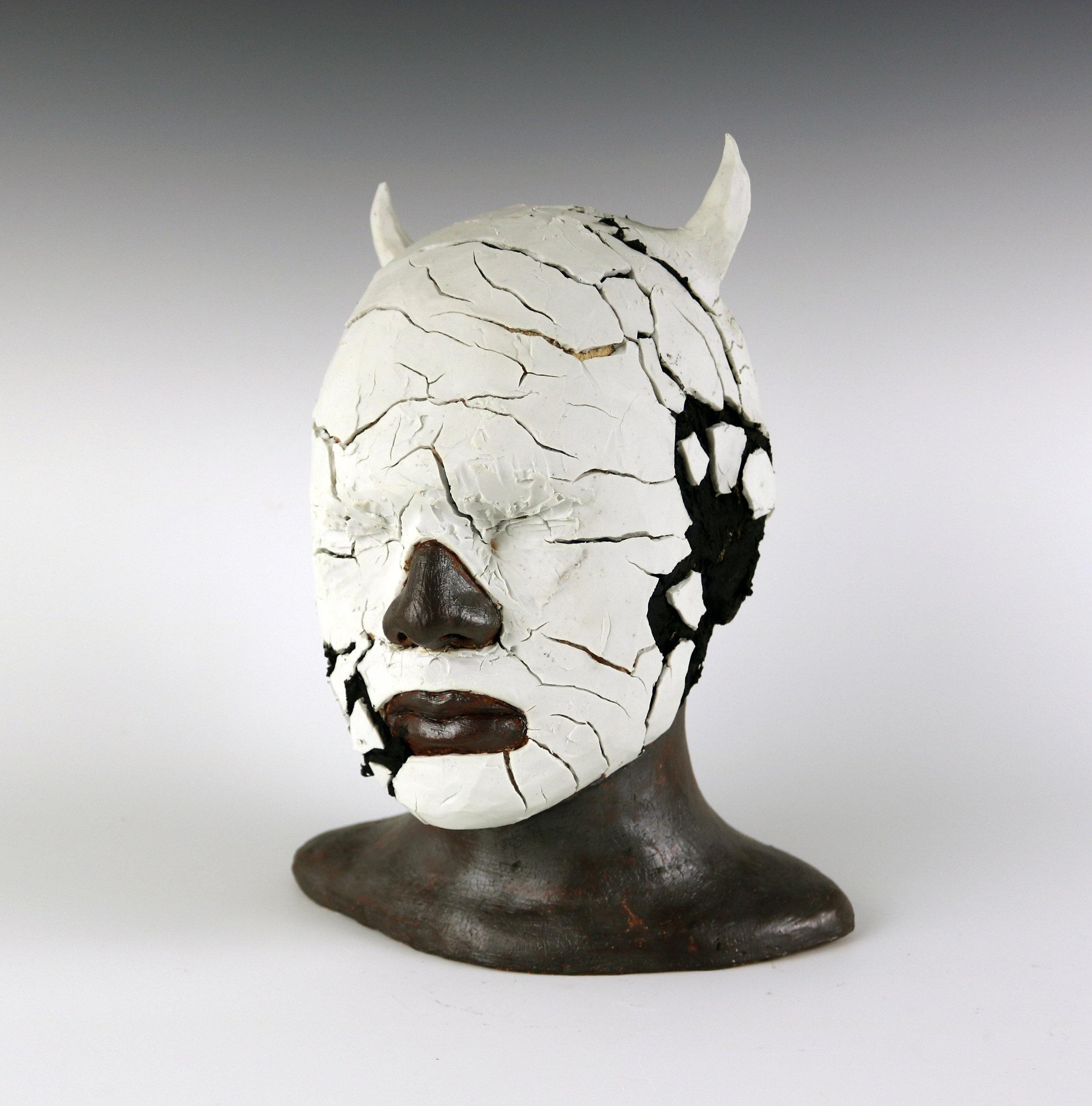 Effigy with Horns | Efigie con cuernos