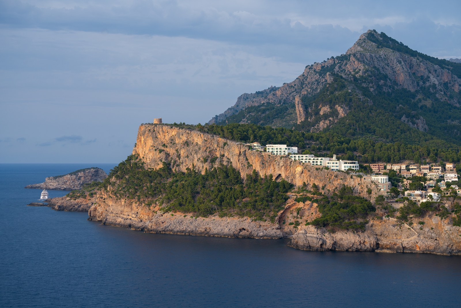 Image courtesy of Jumeirah Port Soller Hotel.