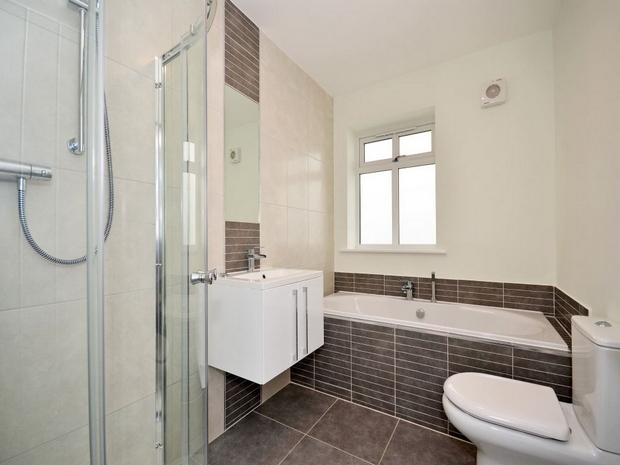 bathrooom2.jpg