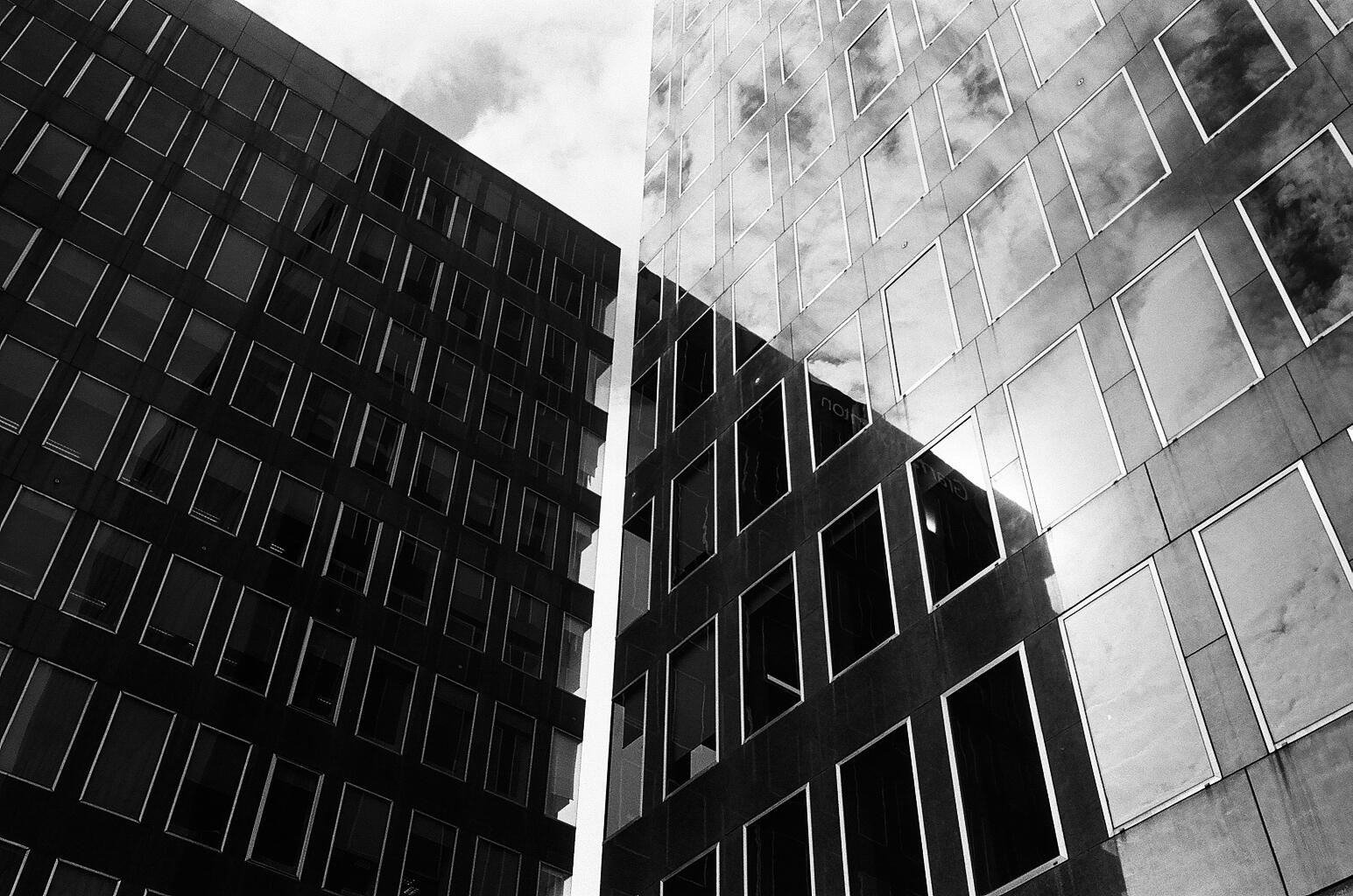 London (Leica M6 - Kodak 400TX)-50.jpg