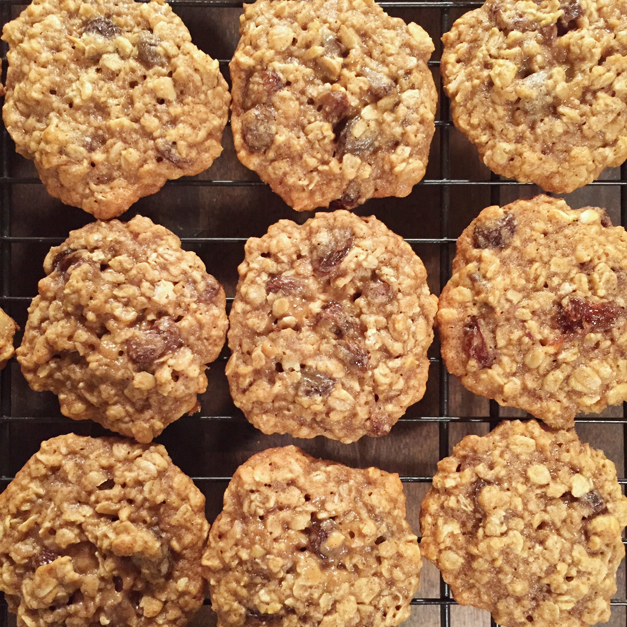 The Best Oatmeal Rasin Cookies…Ever | www.thefourthreads.com