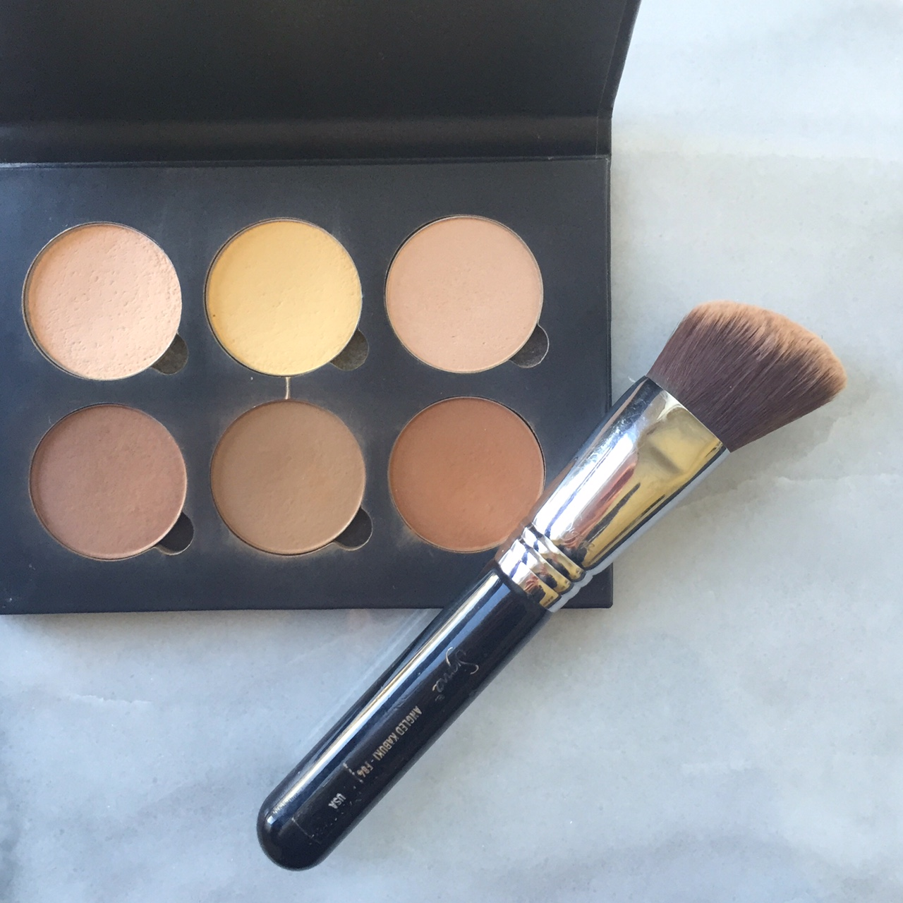 Monthly Beauty Favorites: Anastasia Beverly Hills Contour Kit | http://thefourthreads.com