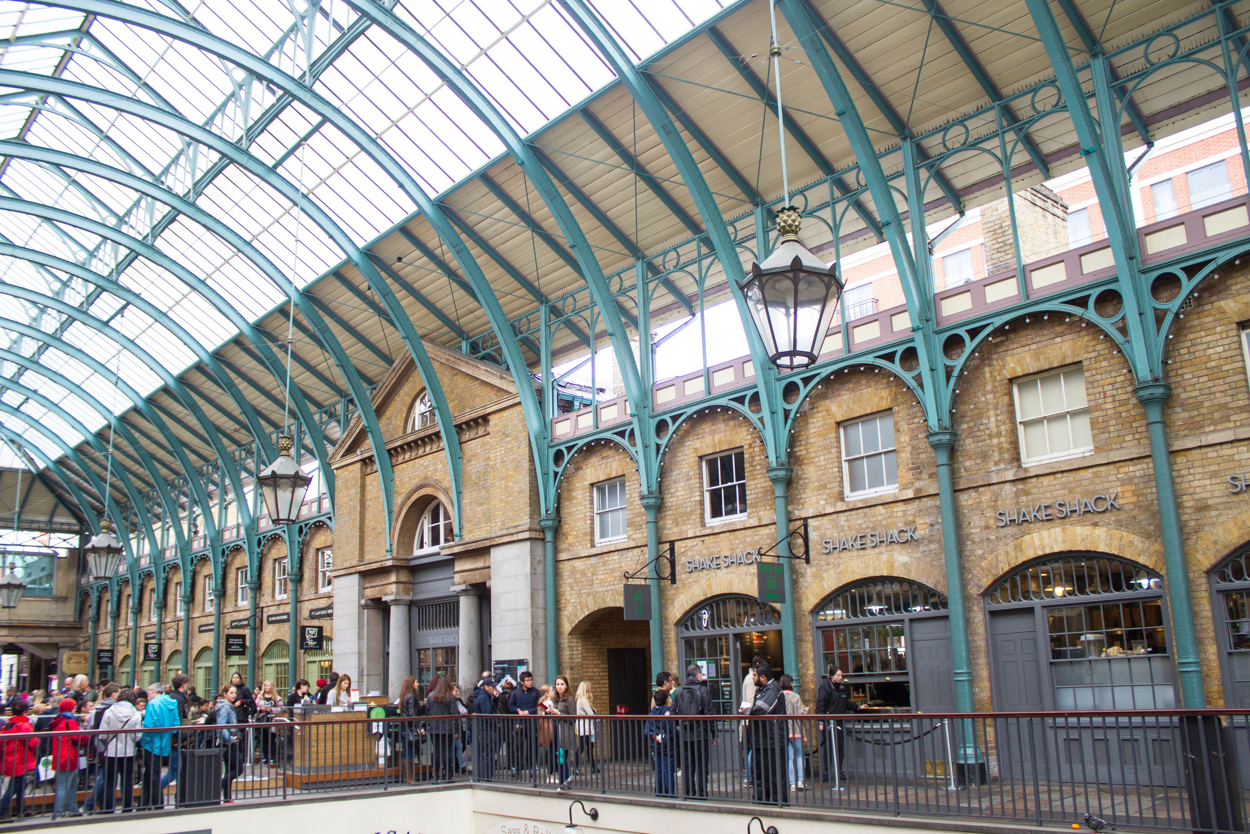 London Time - Covent Garden | Four Threads