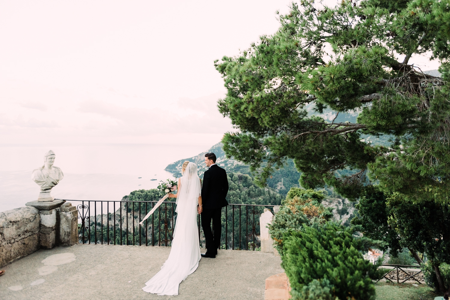 {Villa-Cimbrone-Ravello-Wedding} 24.jpg