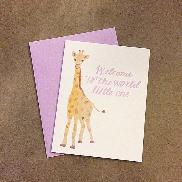 An adorable giraffe for an adorable little one! 👶🏼 Also comes in pink and blue 💕  #calligraphy #giraffe #babycard #babies #brushlettering #tombow #purple #lettering #letteringart #congratulations