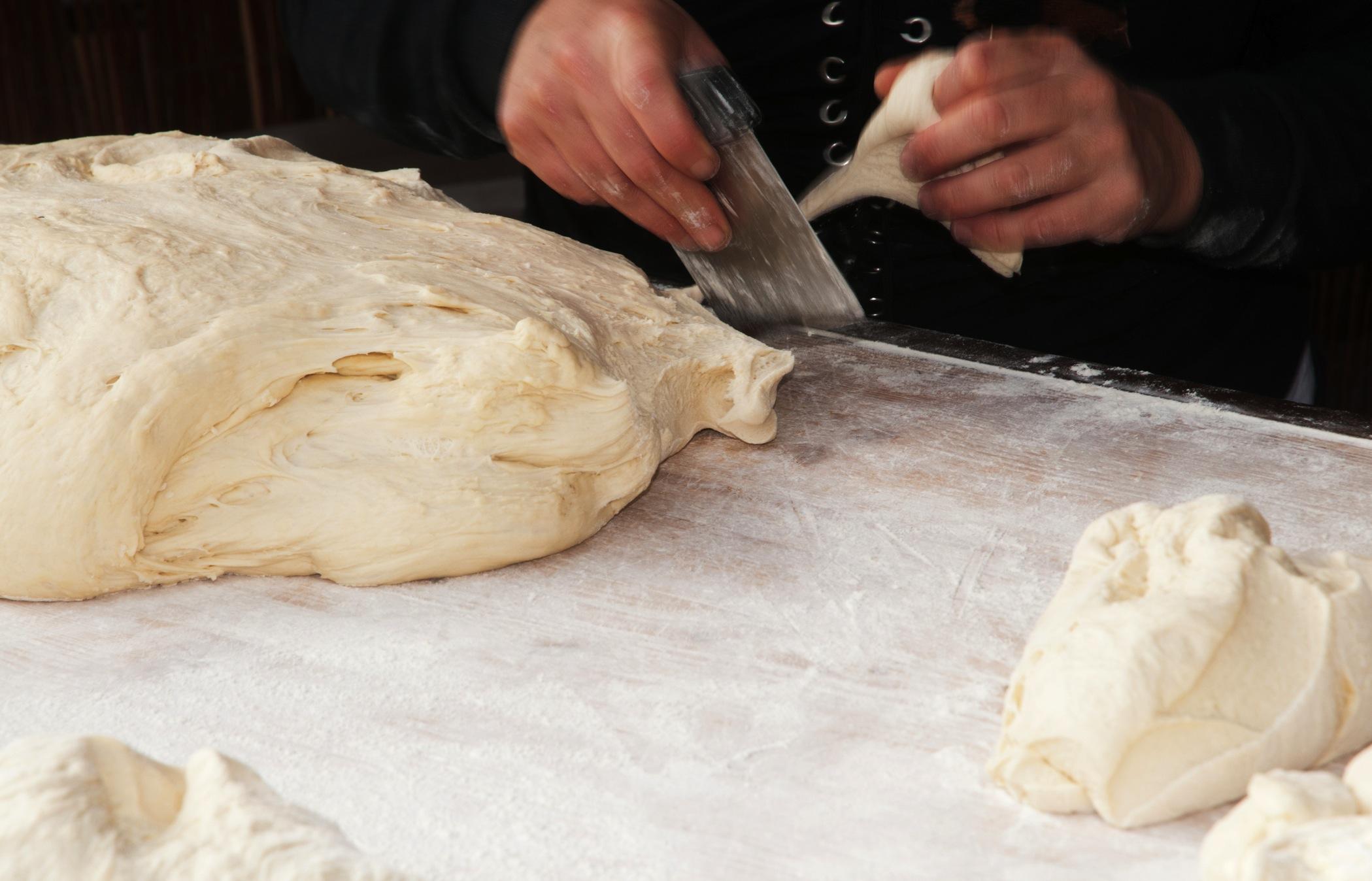 cutting_dough