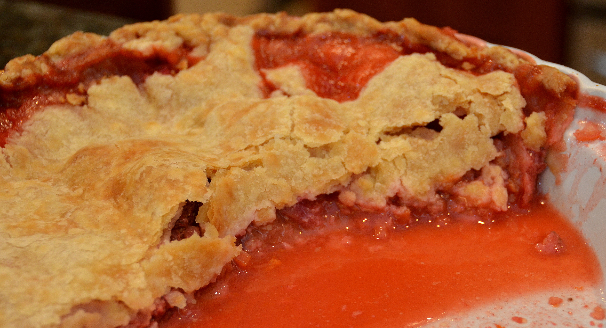 strawberry-rhubarb pie version 2