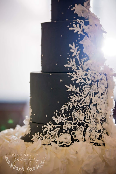 Piped Lace Cake
