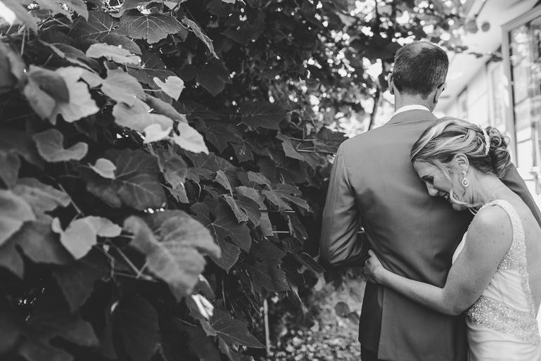 seattle-intimate-wedding-photos-cafe-flora-wedding-0019.jpg