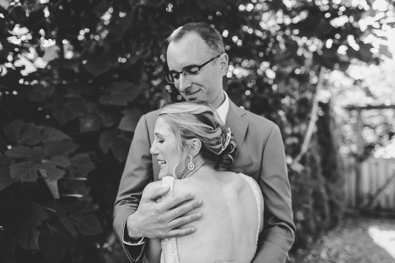 seattle-intimate-wedding-photos-cafe-flora-wedding-0020.jpg