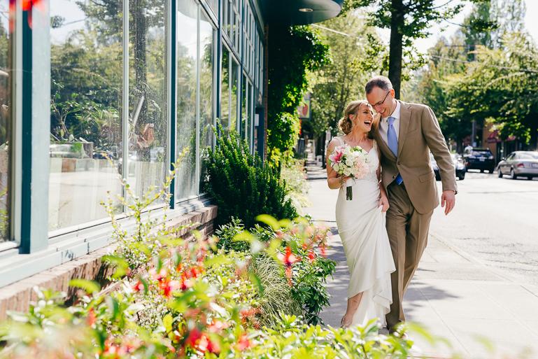 seattle-intimate-wedding-photos-cafe-flora-wedding-0037.jpg